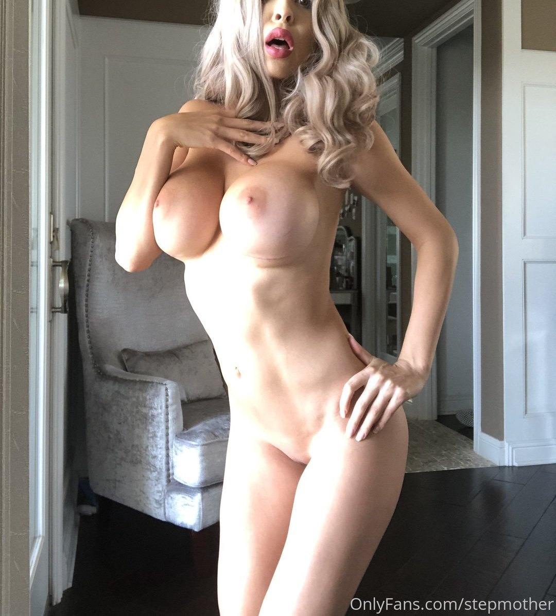 Zayla Skye Stepmother Onlyfans Nudes Leaks 0002