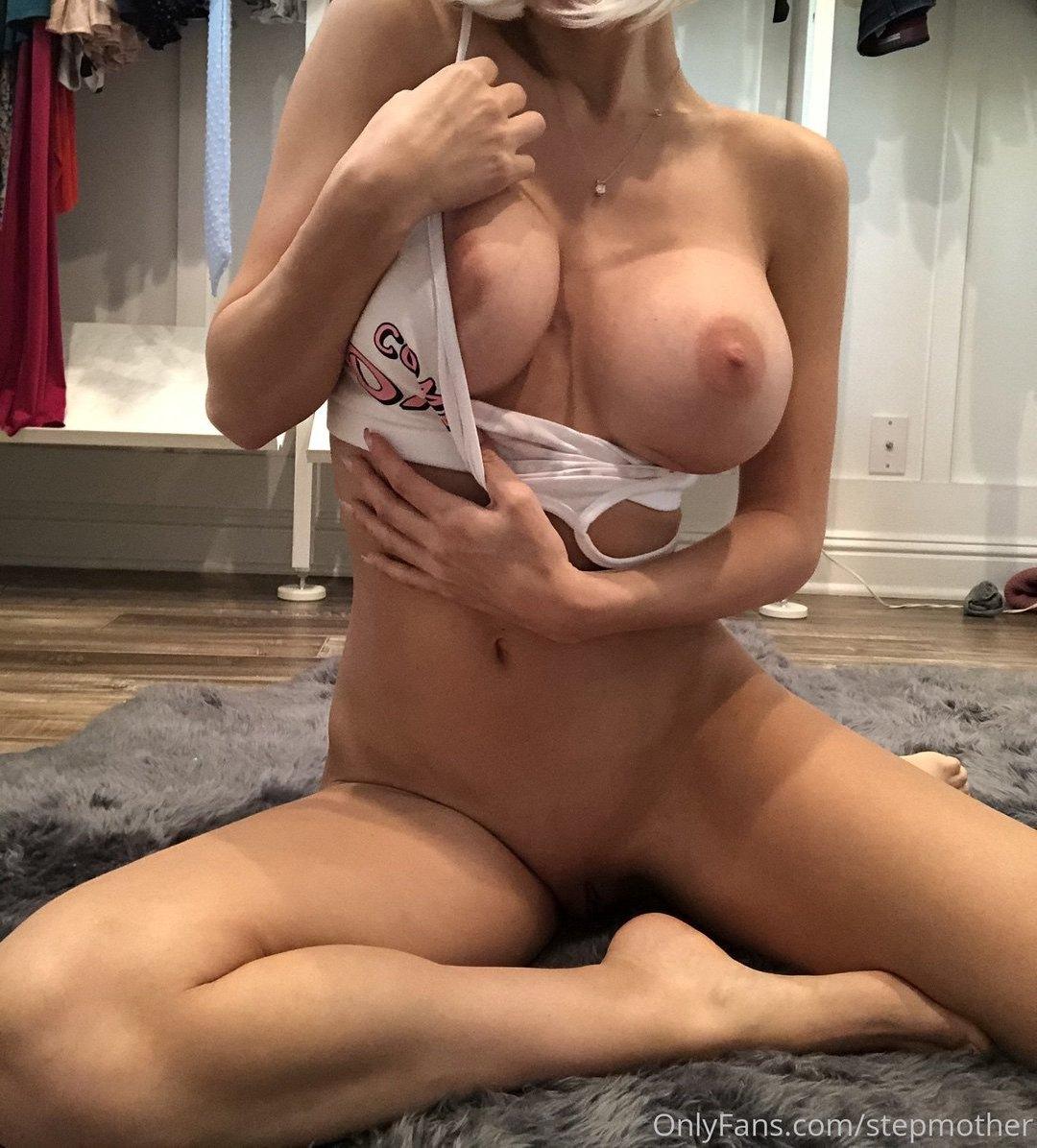 Zayla Skye Stepmother Onlyfans Nudes Leaks 0008