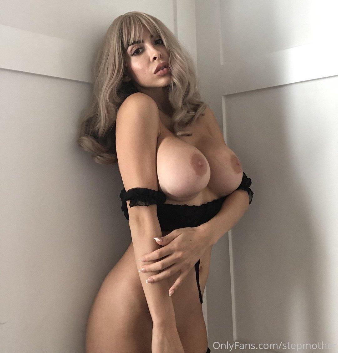Zayla Skye Stepmother Onlyfans Nudes Leaks 0011
