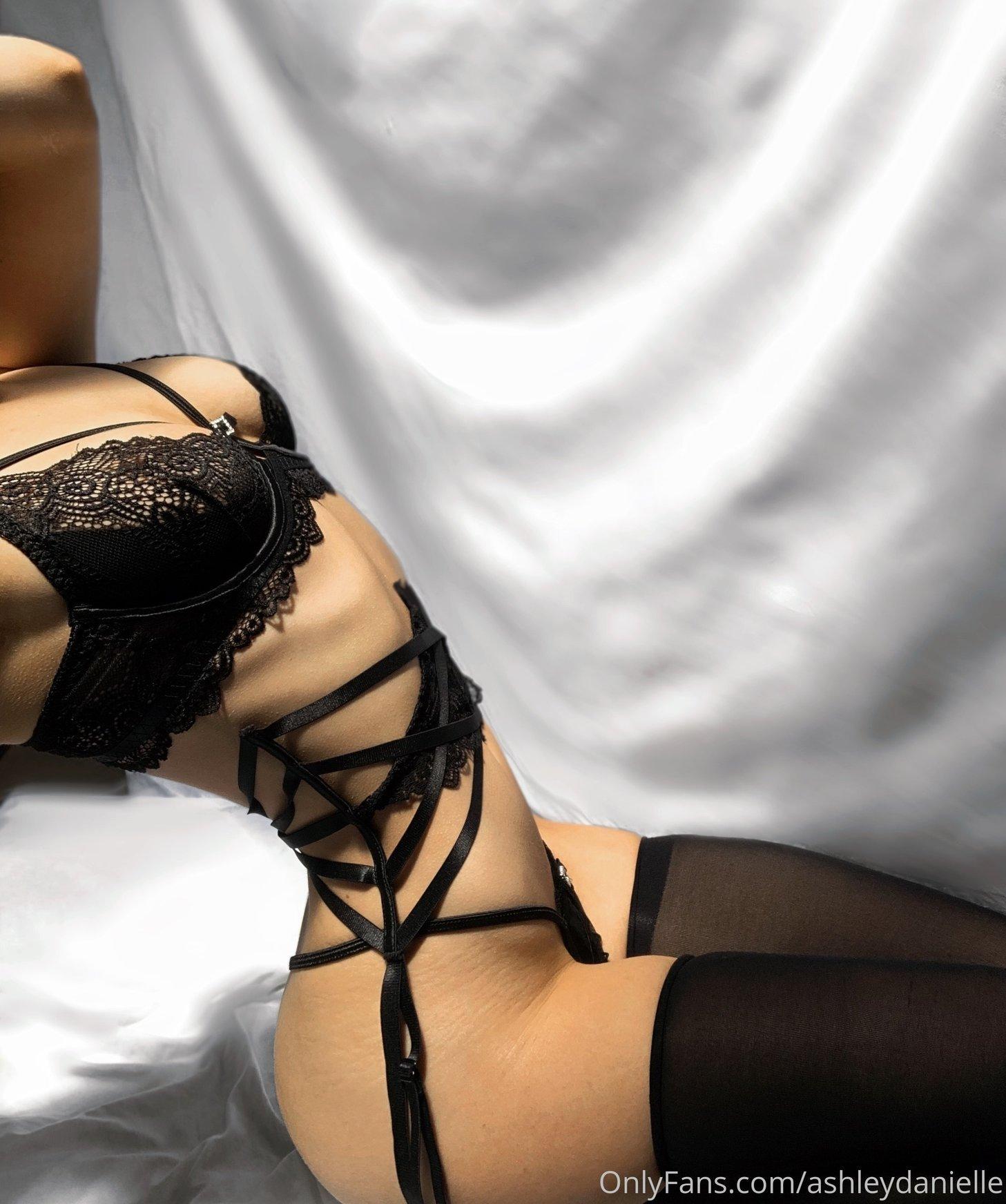 Ashley Danielle Ashleydaniellexox Onlyfans Nude Leaks 0017