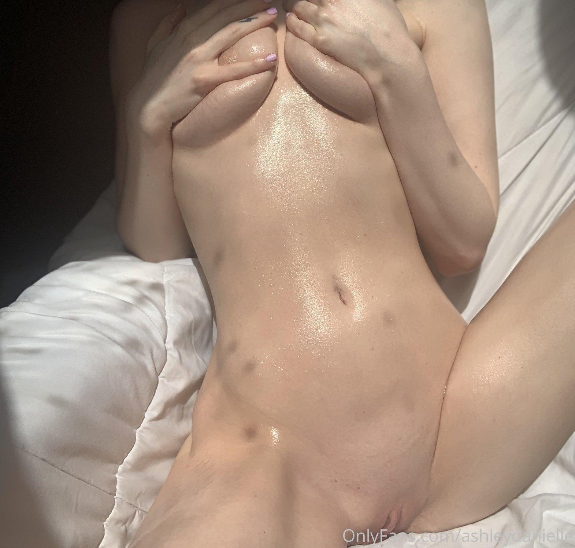 Ashley Danielle Ashleydaniellexox Onlyfans Nude Leaks 0037