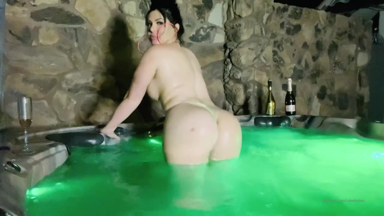 Katie Forbes Leaked Nude Hot Tub Fun Porn Video Leaked
