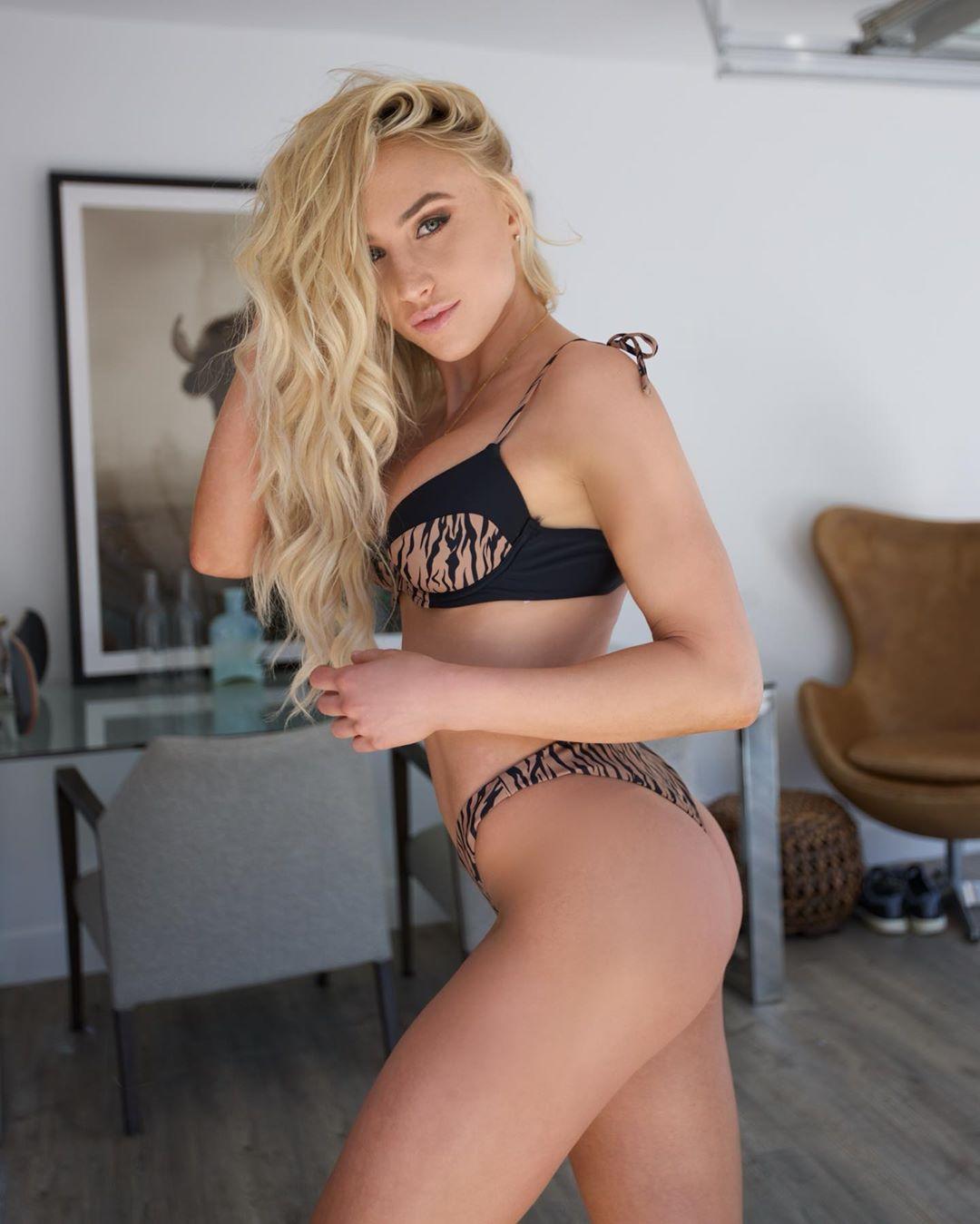 Lauren Dascalo Nude & Sex Tape Onlyfans Leaked 0032