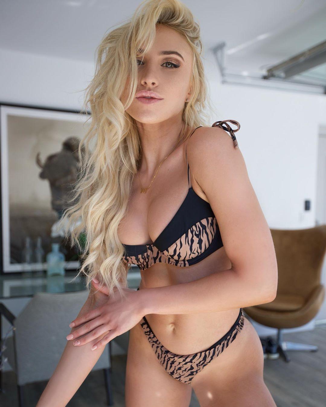 Lauren Dascalo Nude & Sex Tape Onlyfans Leaked 0033