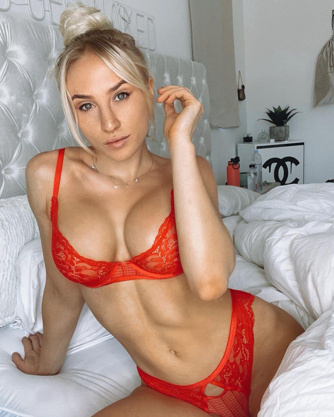 Lauren Dascalo Nude & Sex Tape Onlyfans Leaked 0035