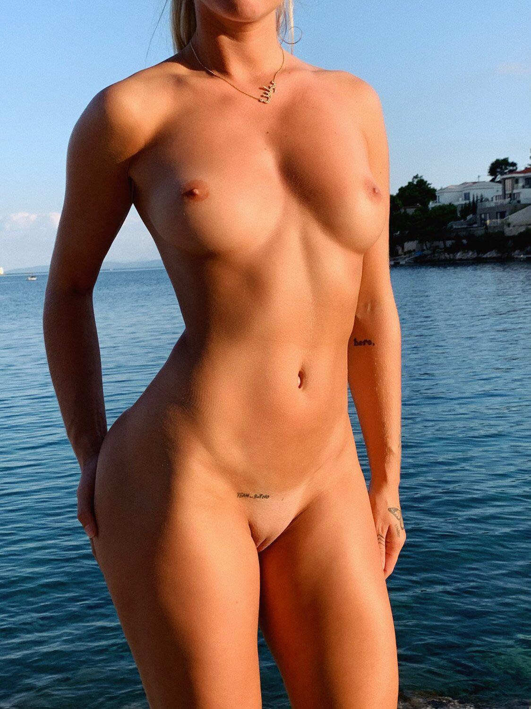 Mathilde Tantot Nude Onlyfans Leaked! 0003