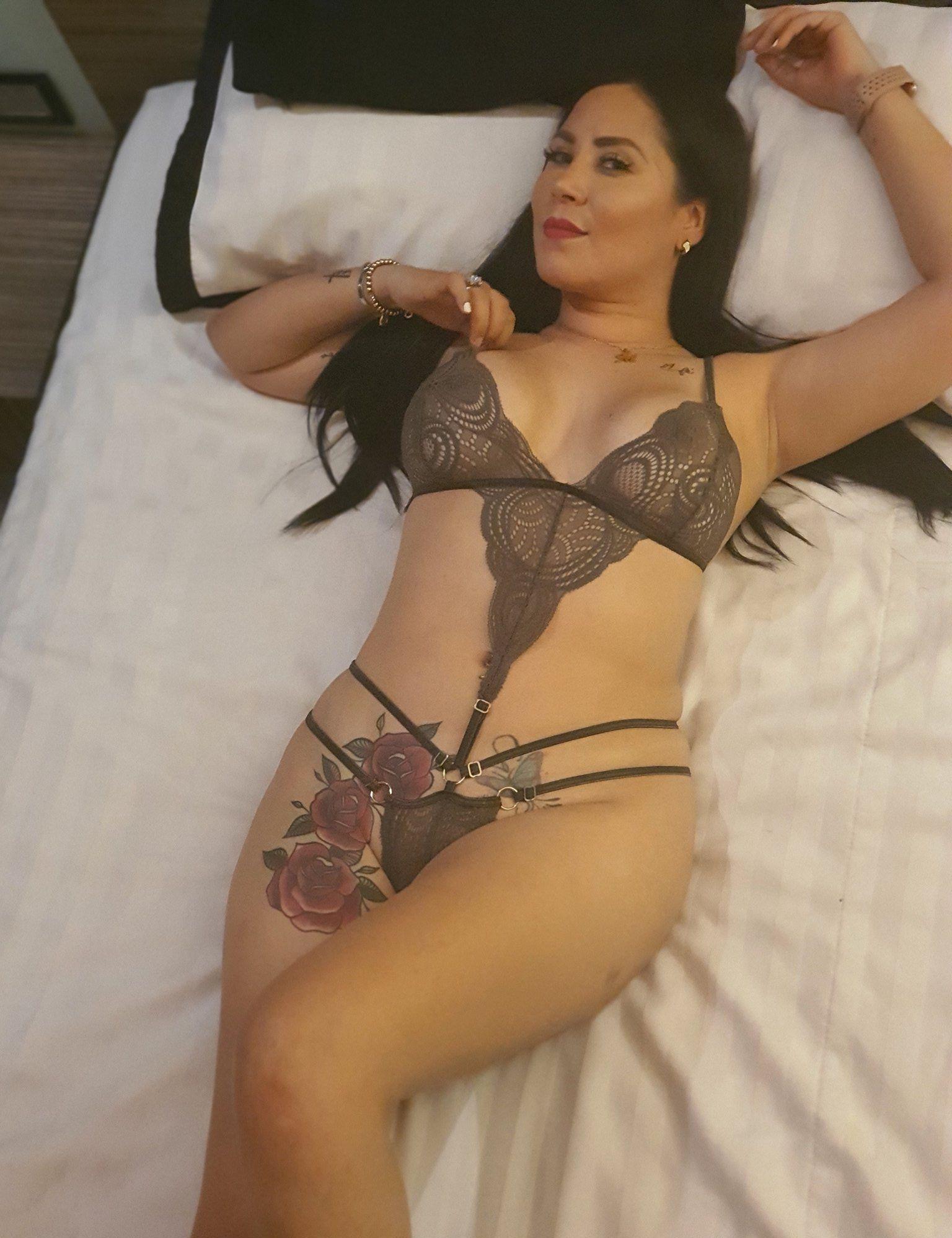 Mony Figueroa Mexicana Leaked Nudes0011