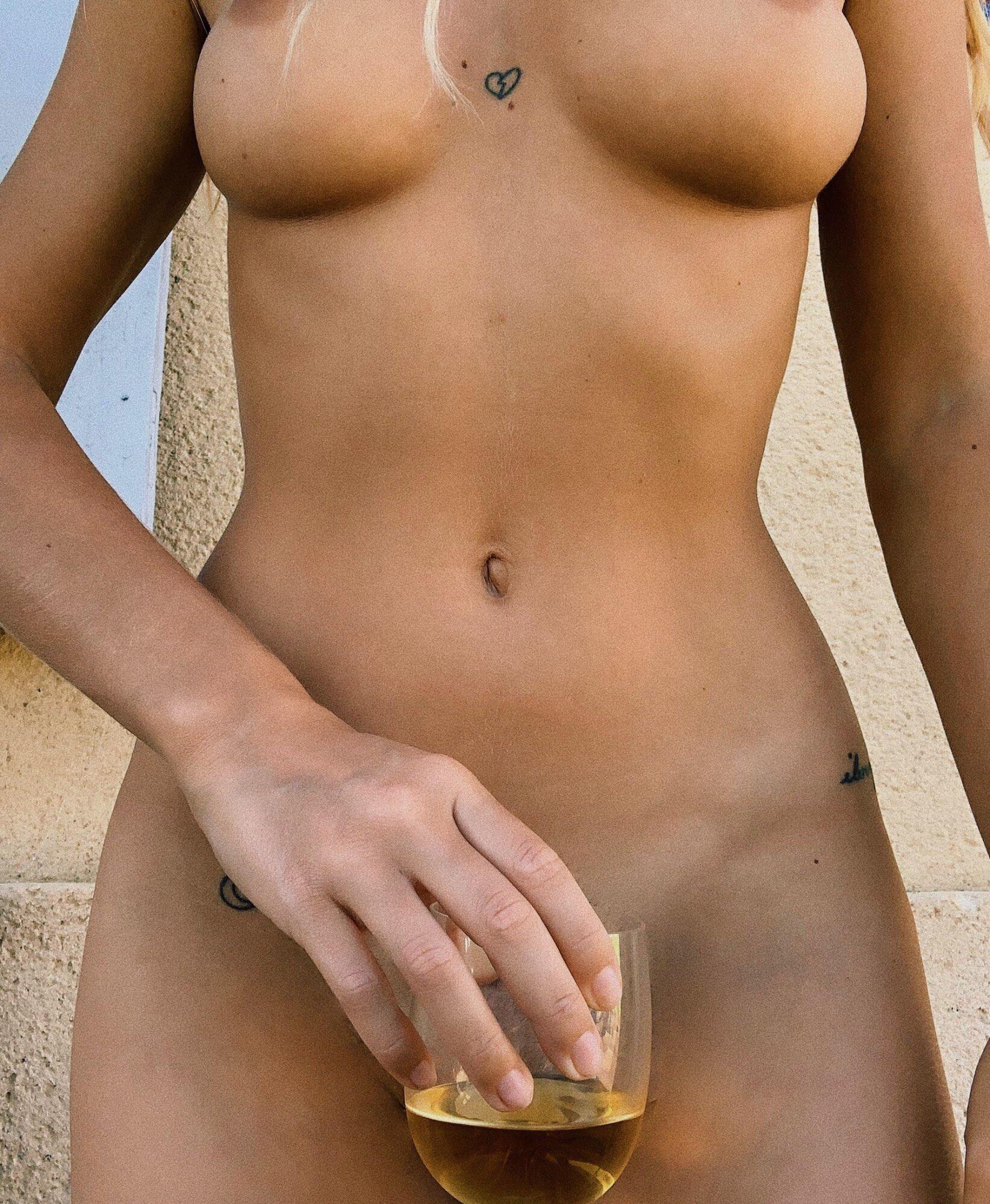 Pauline Tantot Nude Onyfans Leaked 0009