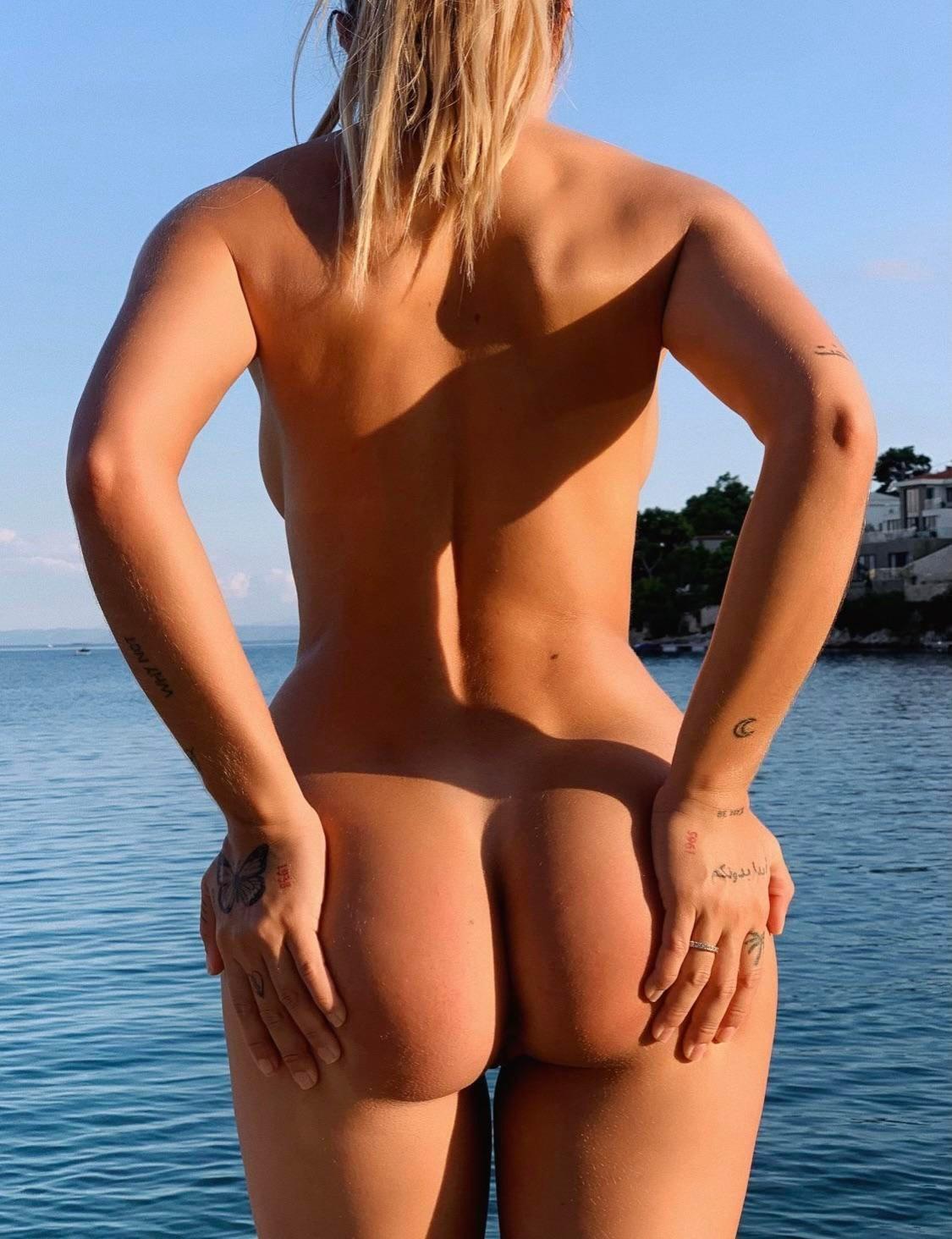 Pauline Tantot Nude Onyfans Leaked 0036