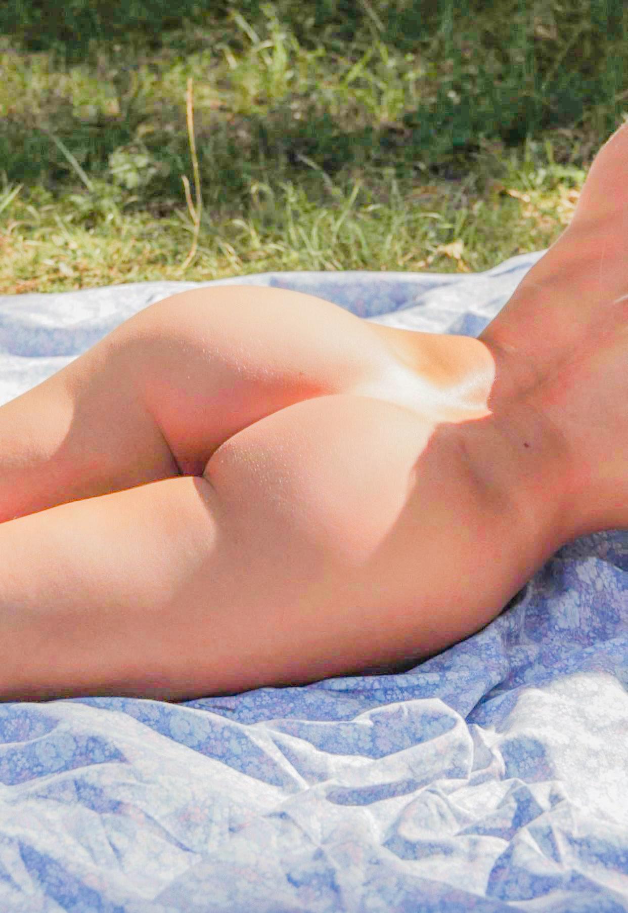 Pauline Tantot Nude Onyfans Leaked 0047