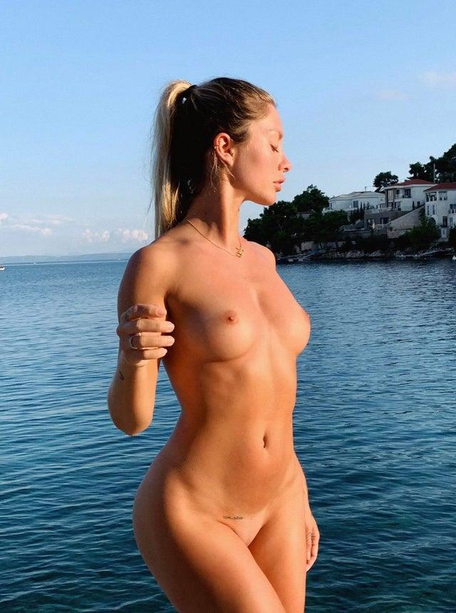 Pauline Tantot Nude Onyfans Leaked 0071