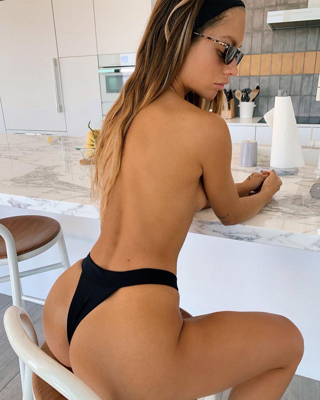 Pauline Tantot Nude Onyfans Leaked 0114