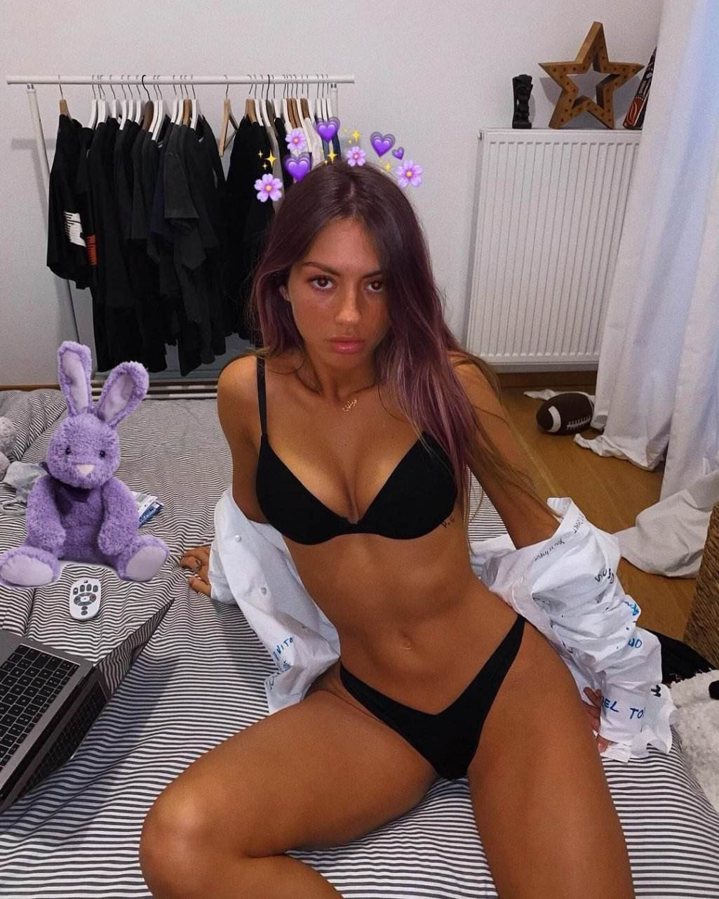 Pauline Tantot Nude Onyfans Leaked 0161