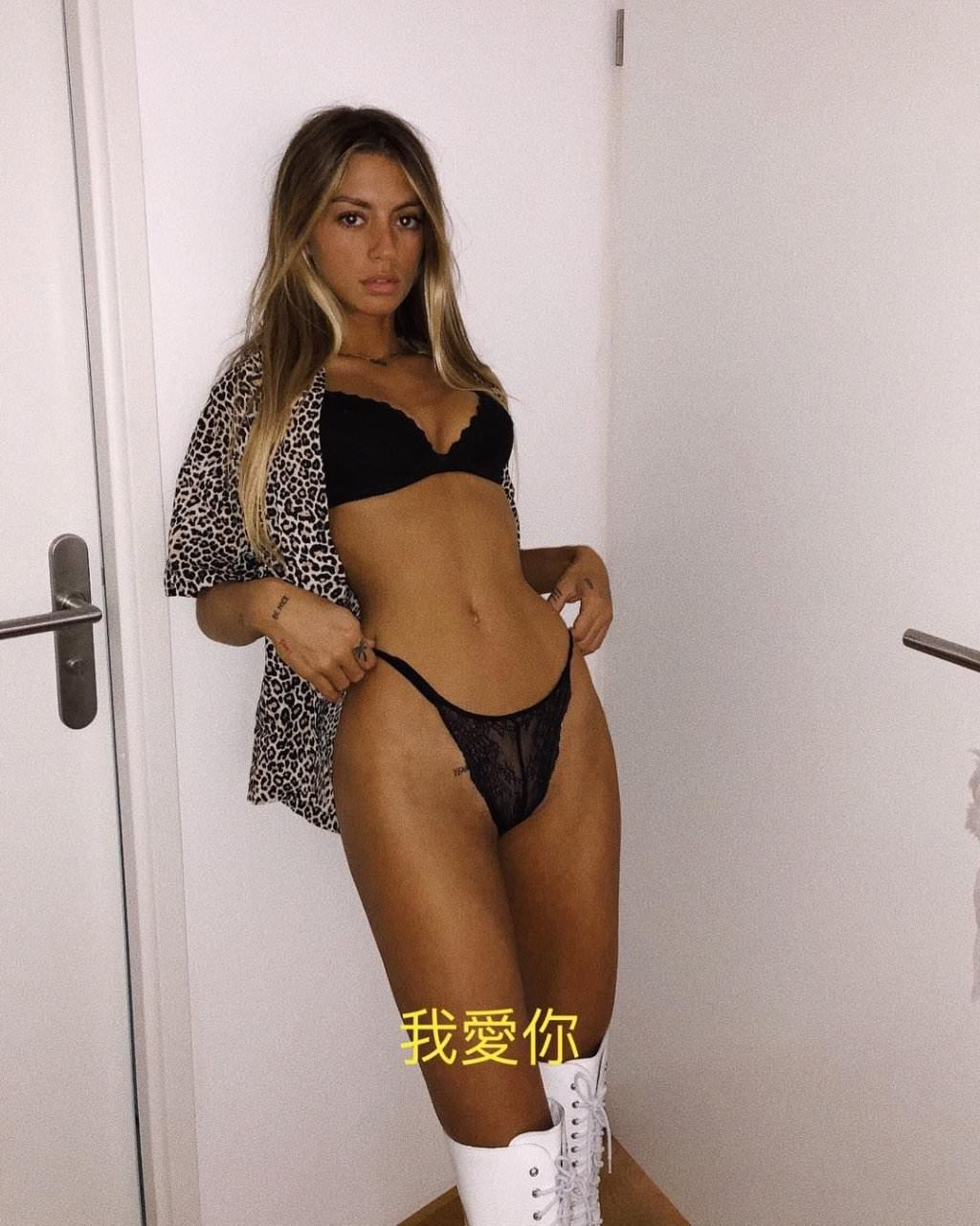 Pauline Tantot Nude Onyfans Leaked 0167