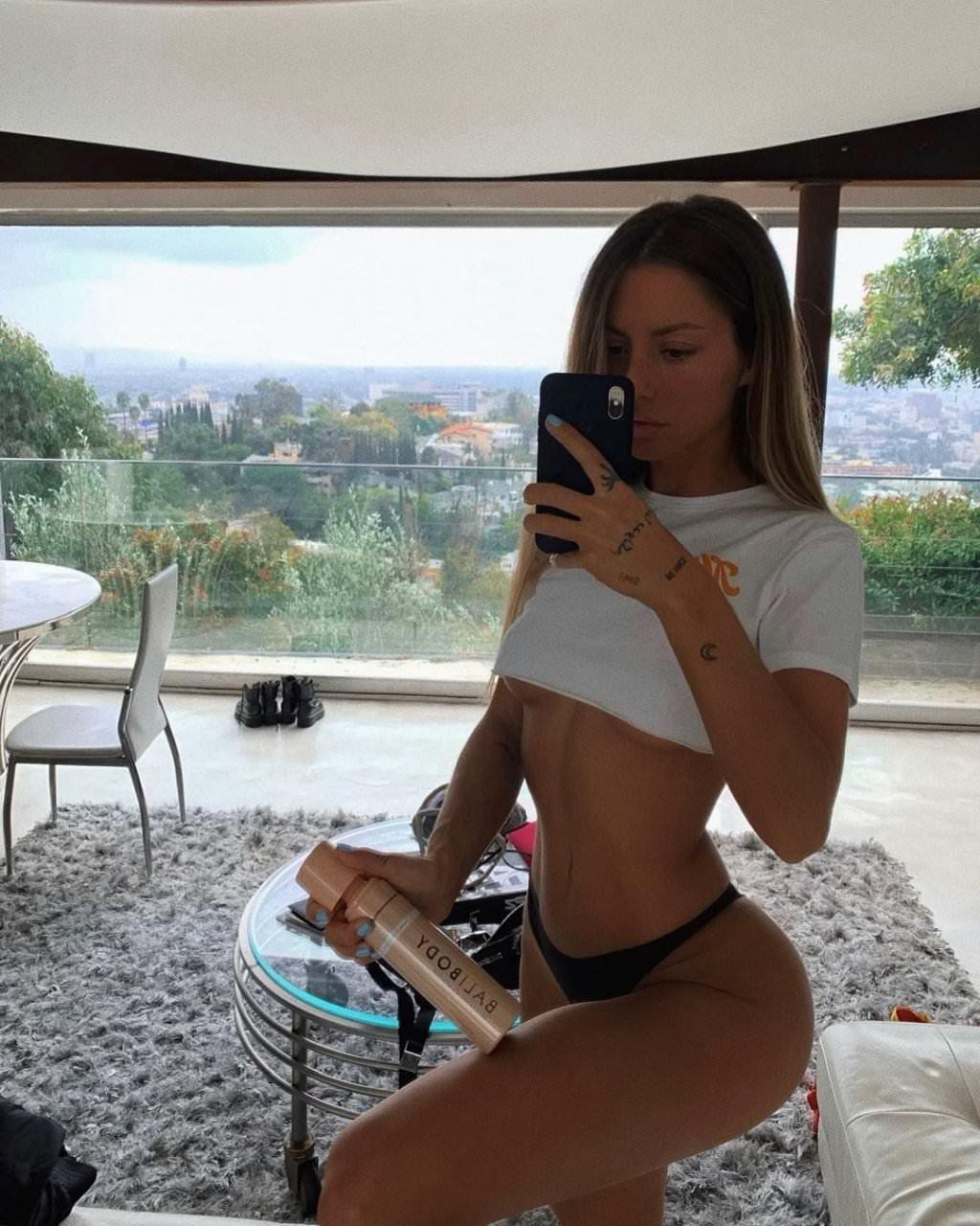 Pauline Tantot Nude Onyfans Leaked 0175