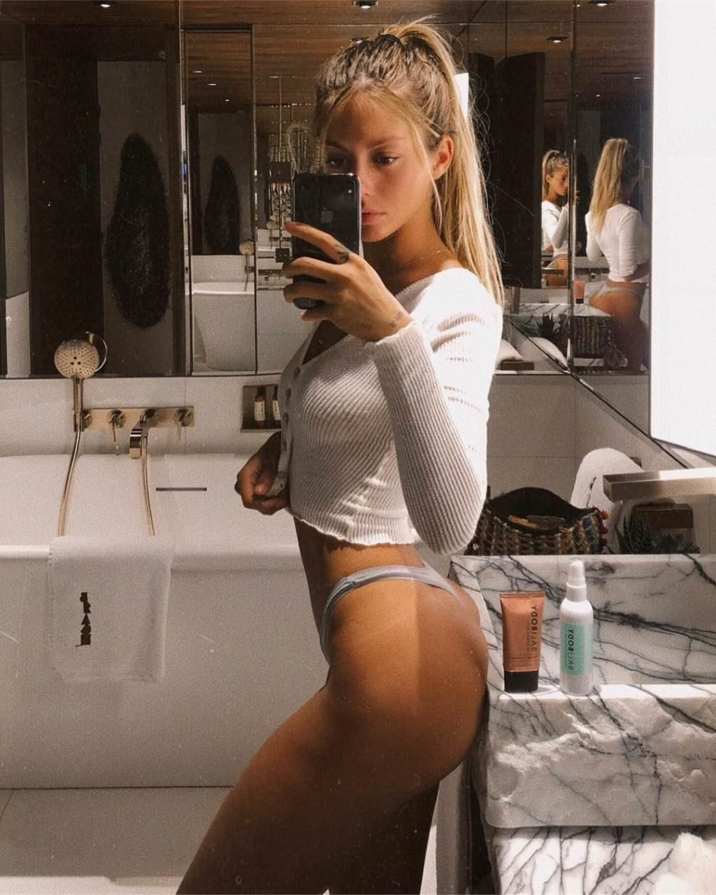 Pauline Tantot Nude Onyfans Leaked 0183