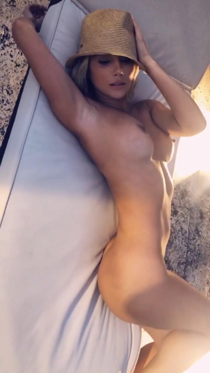 Sara Underwood Nude & Sex Tape Leaked 0004