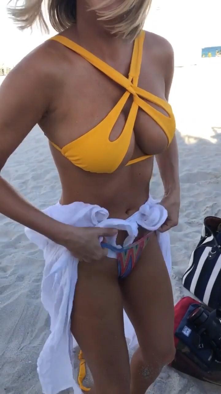 Sara Underwood Nude & Sex Tape Leaked 0021