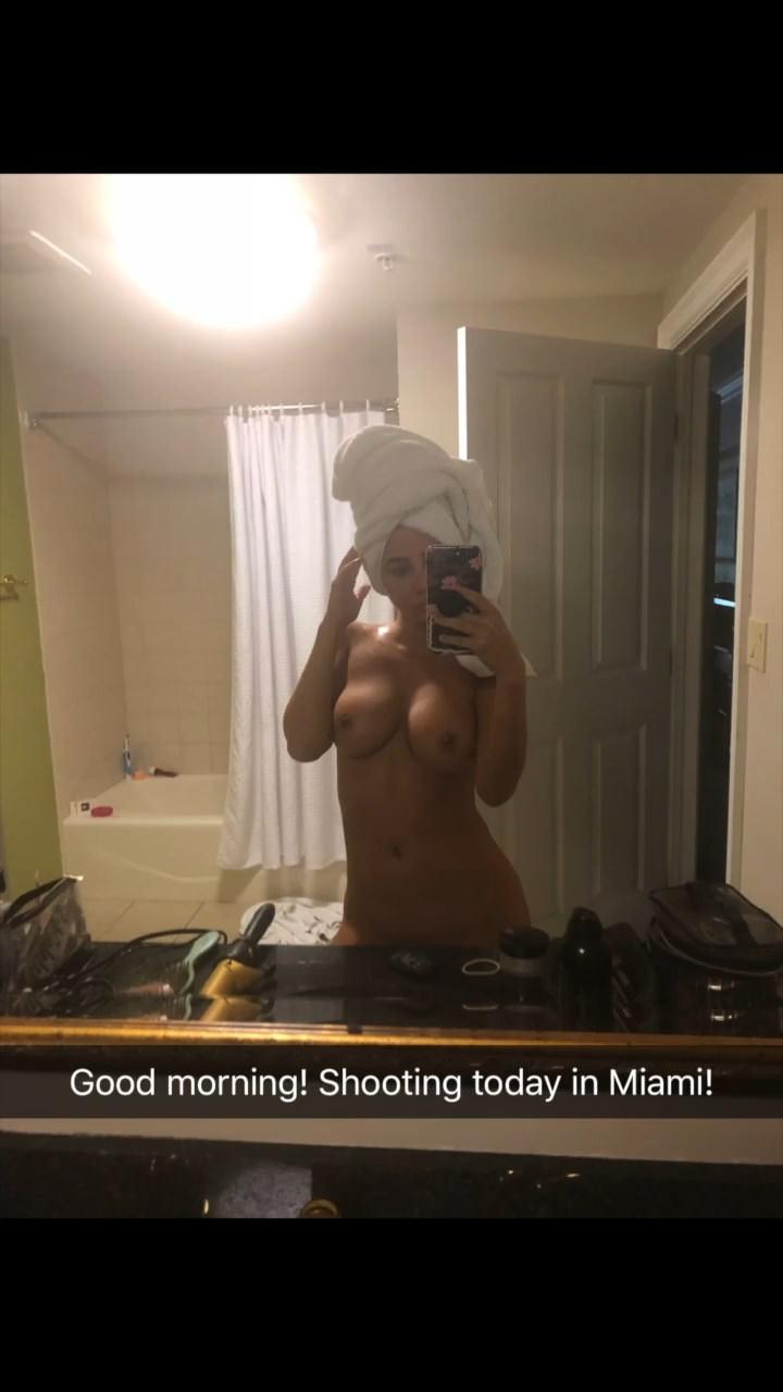 Sara Underwood Nude & Sex Tape Leaked 0036