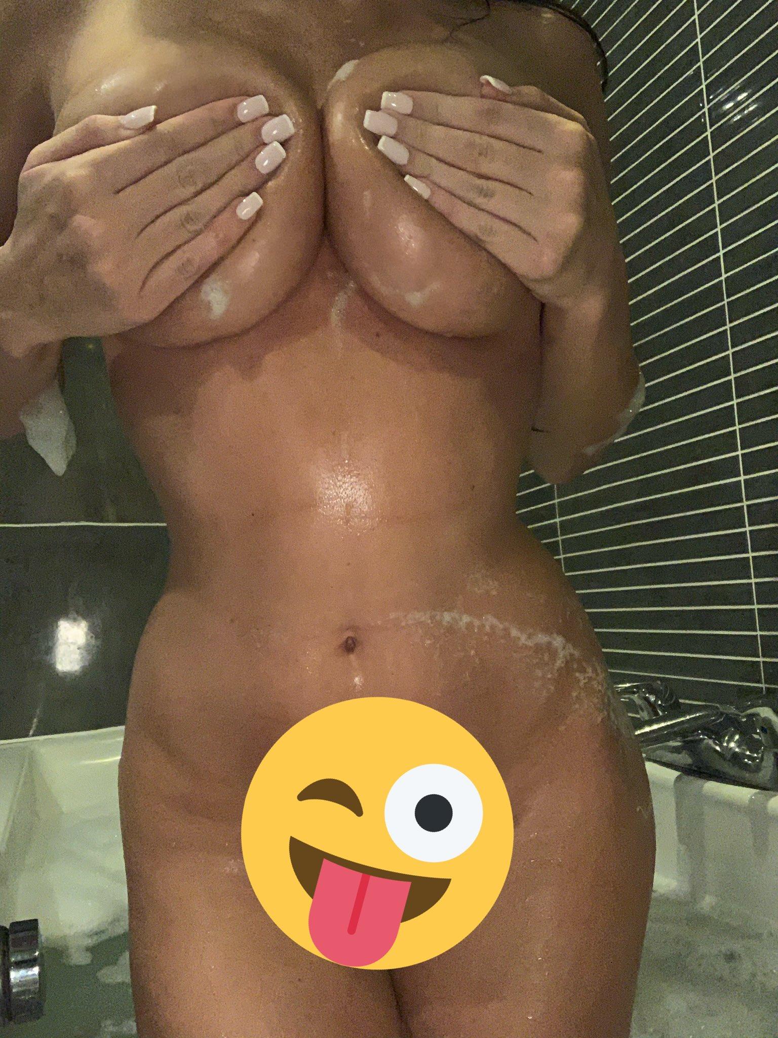 Xalicegoodwinx Nude Onlyfans Leaked 0019