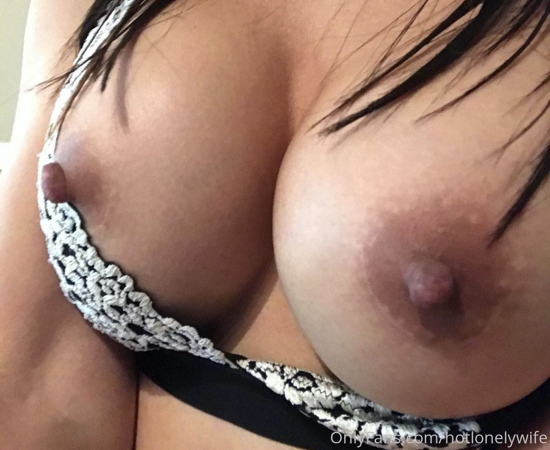 Hotlonelywife Onlyfans Nudes Leaks 0030