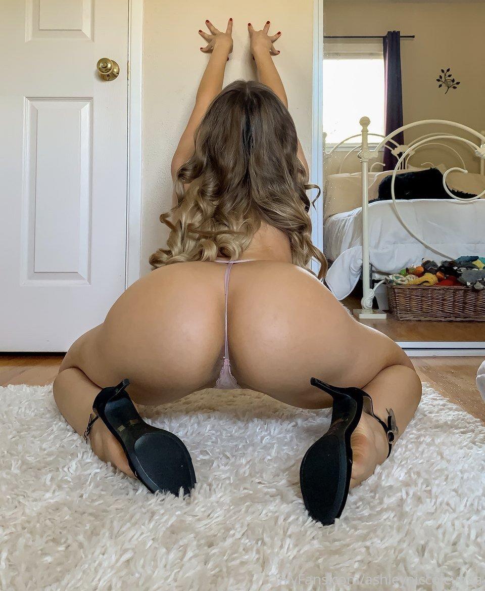 Ashley Niccole Ashleyniccoleyoga Instagram Nude Leaks 0018