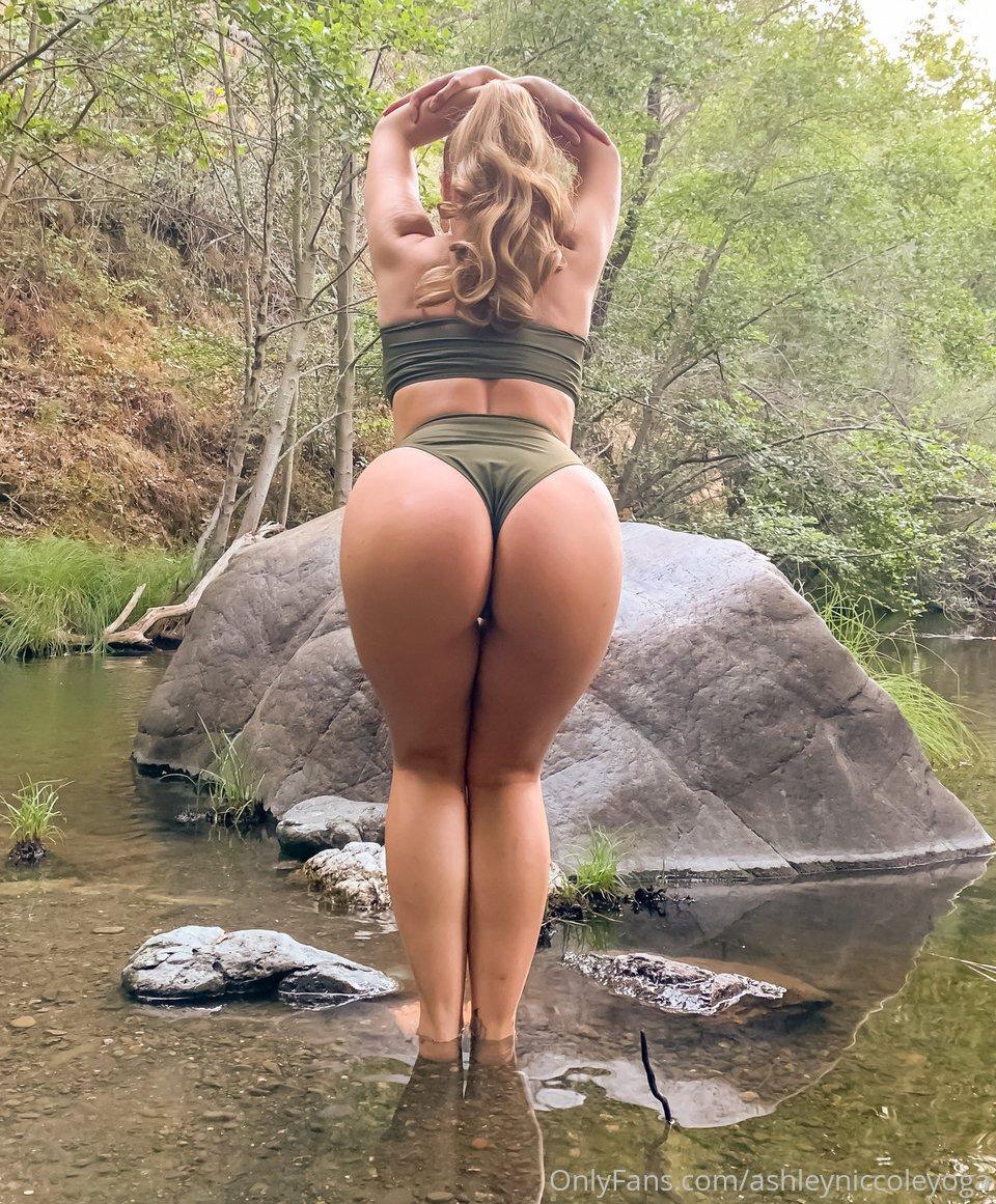 Ashley Niccole Ashleyniccoleyoga Instagram Nude Leaks 0025