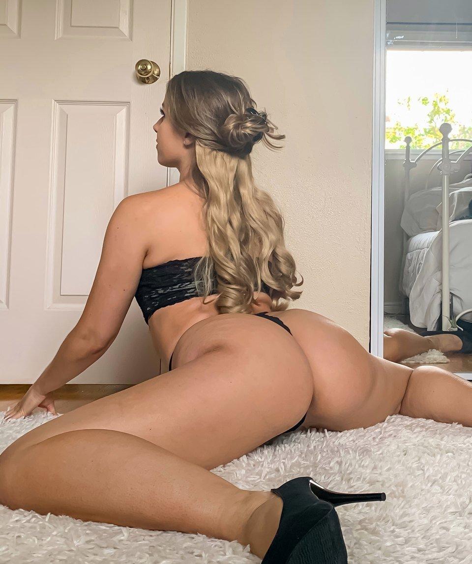 Ashley Niccole Ashleyniccoleyoga Instagram Nude Leaks 0032