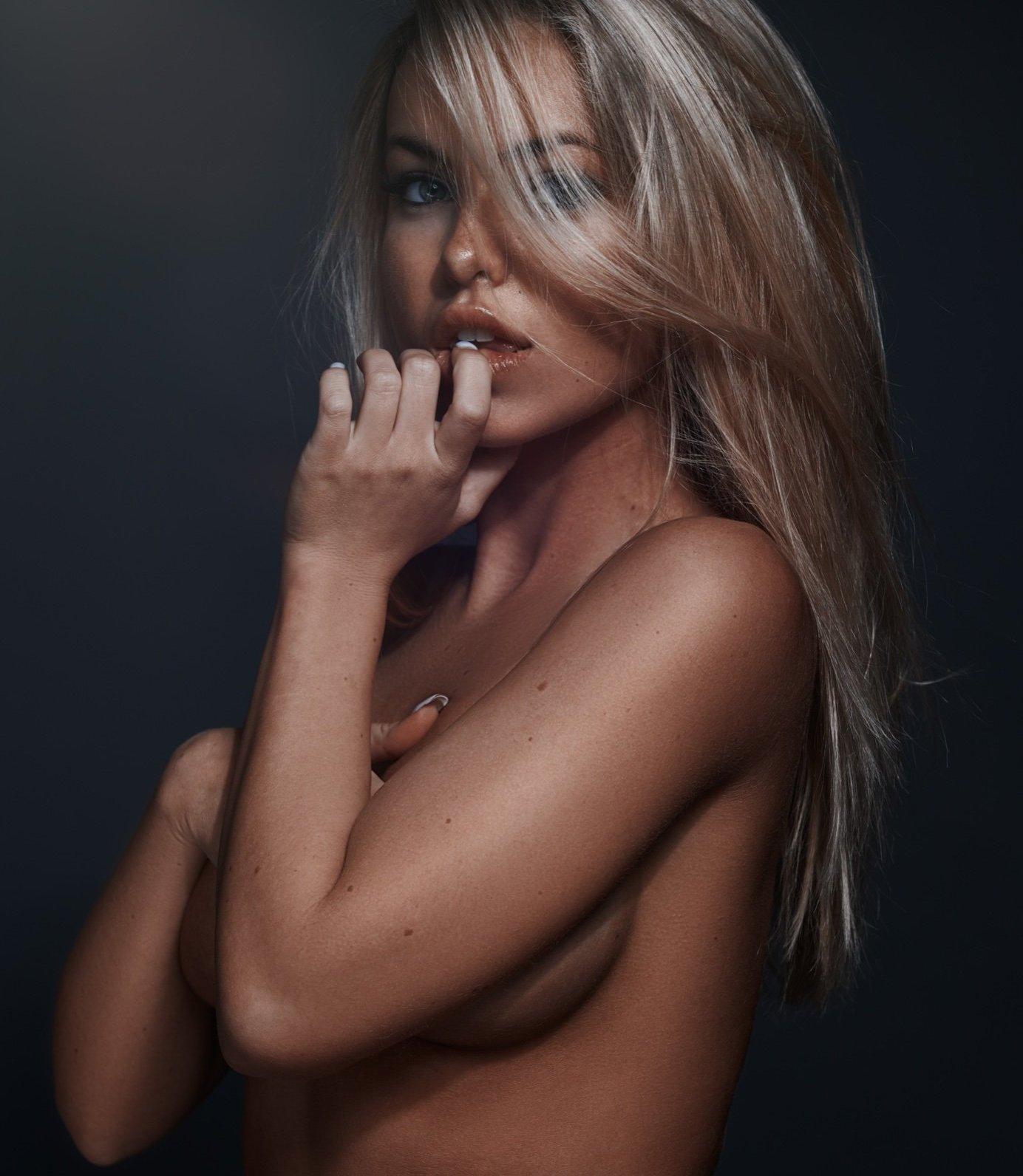 Emma Kotos Emmakotos Instagram Nude Leaks 0011