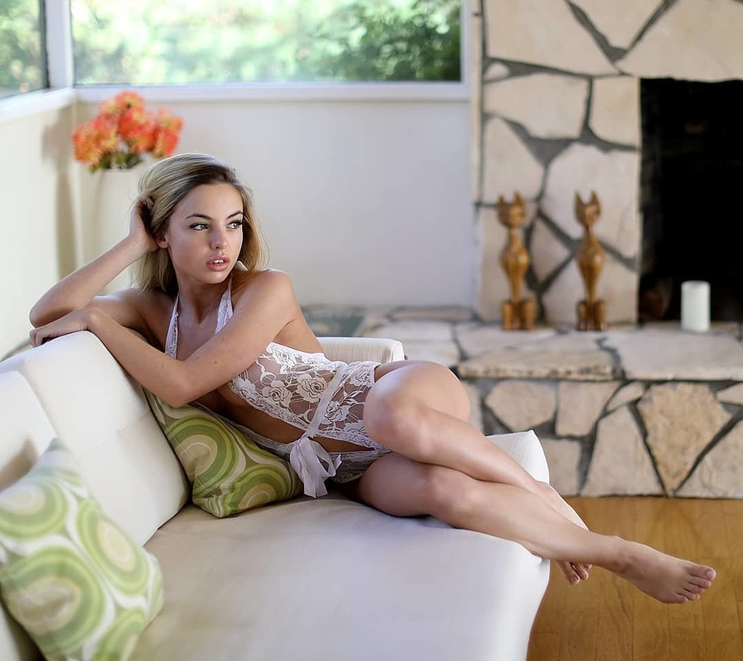 Emma Kotos Emmakotos Instagram Nude Leaks 0013