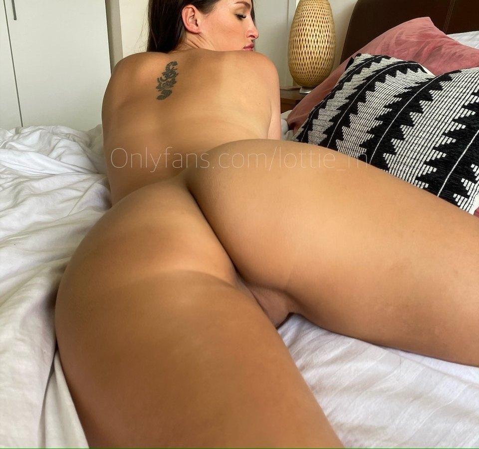 Lottie Squirts Lottie M Onlyfans Nudes Leaks 0002