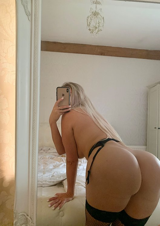 Lucy Nicholson Leaked 0005