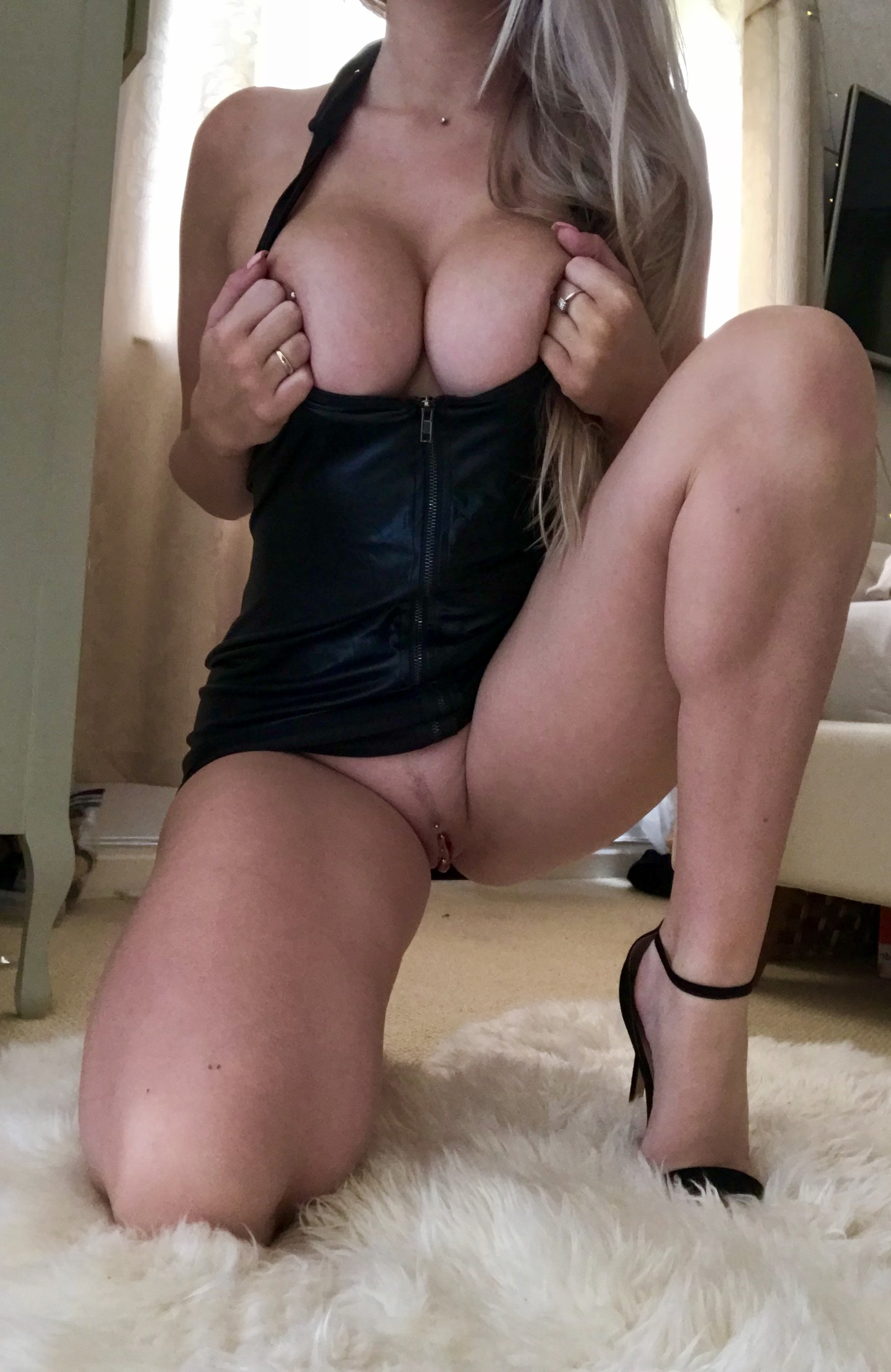 Lucy Nicholson Leaked 0045