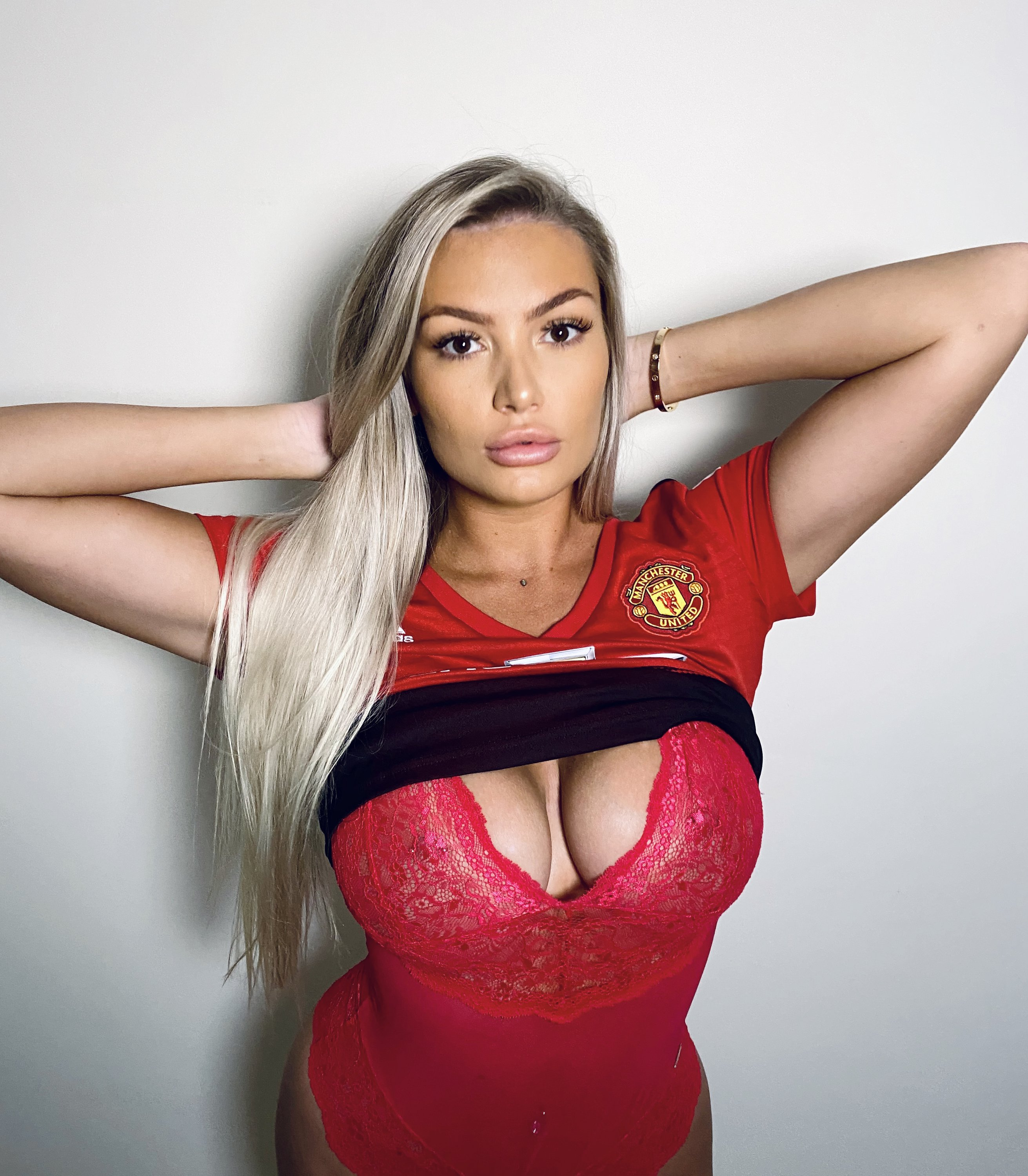 Lucy Nicholson Leaked 0079