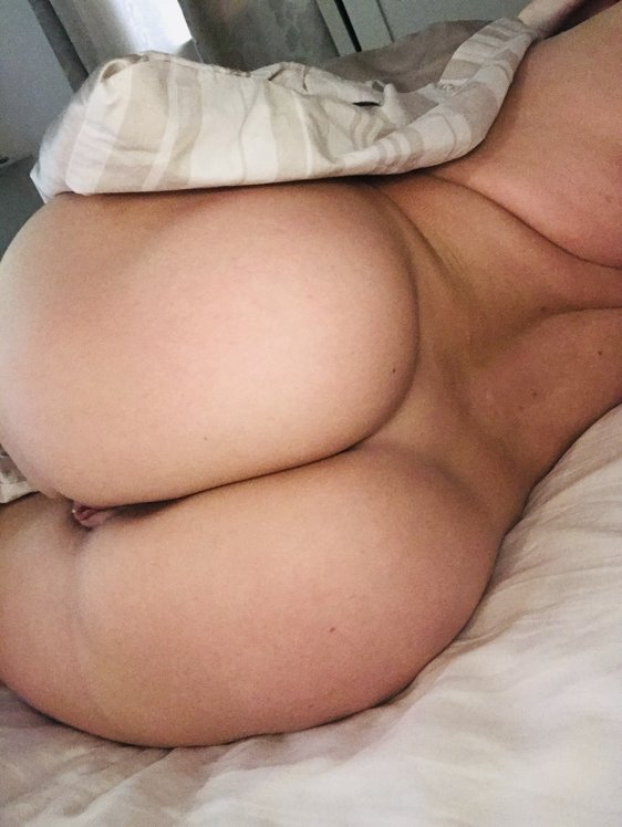 Lucy Nicholson Leaked 0084