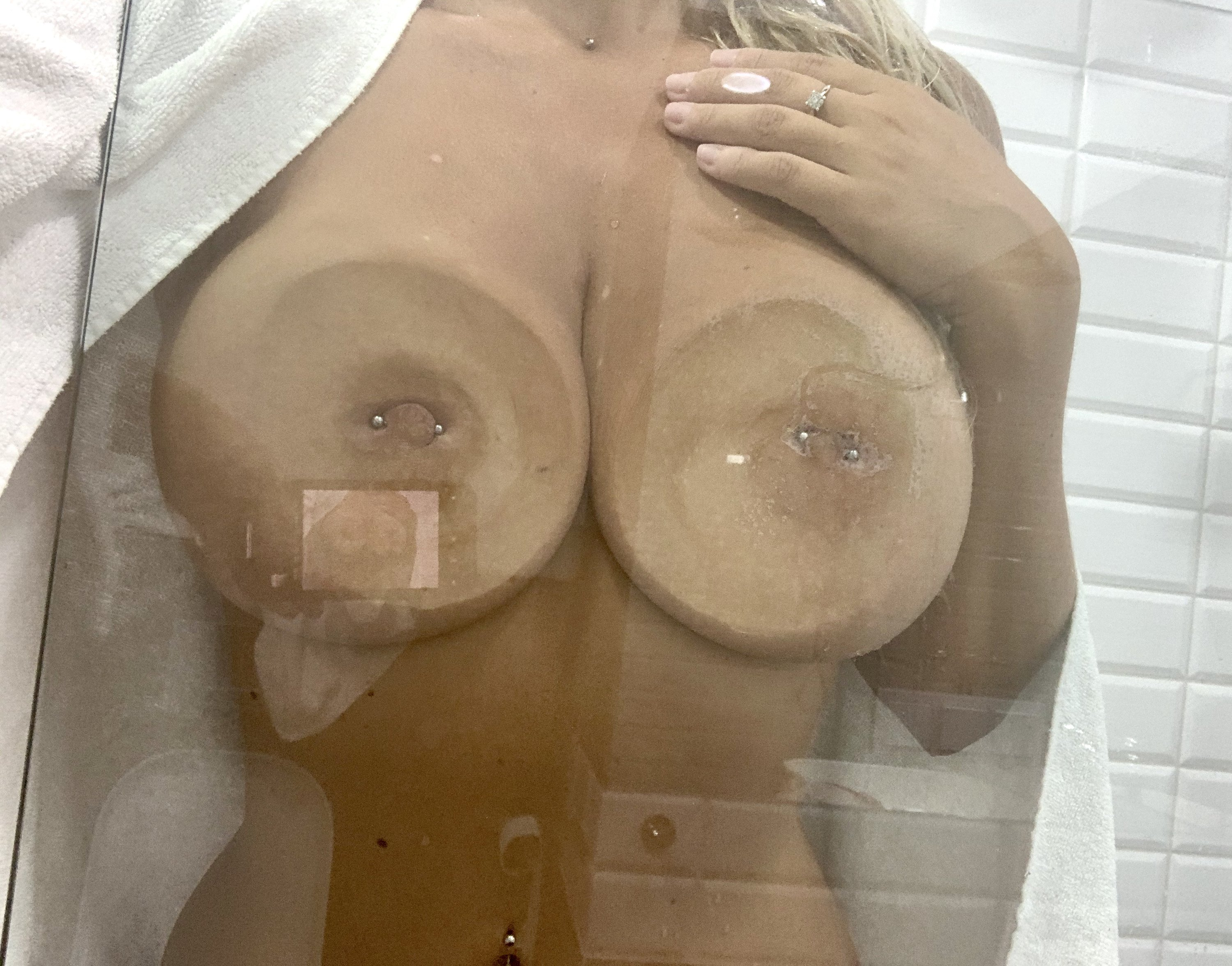 Lucy Nicholson Leaked 0086