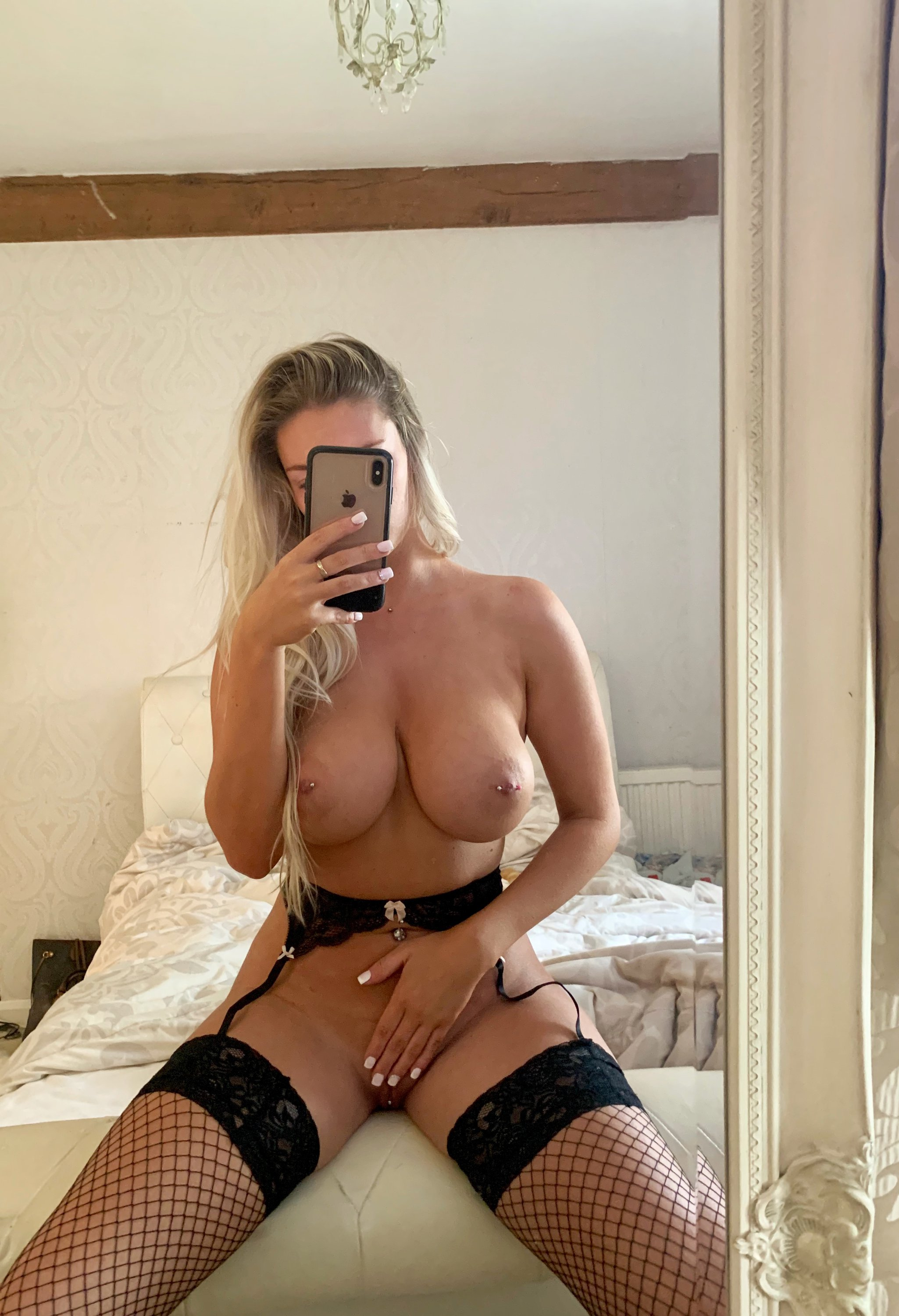 Lucy Nicholson Leaked 0136