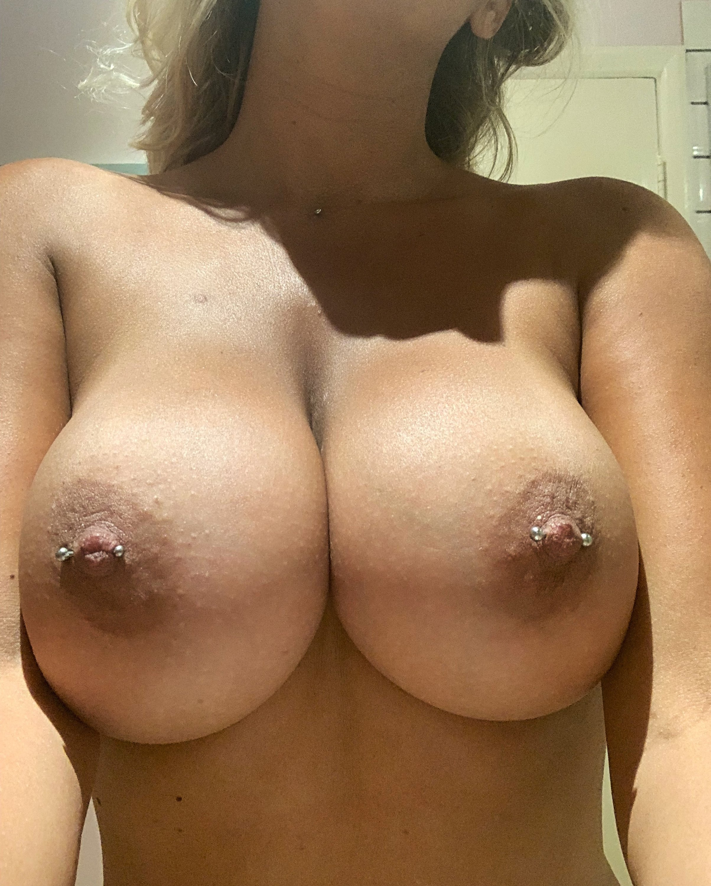 Lucy Nicholson Leaked 0137