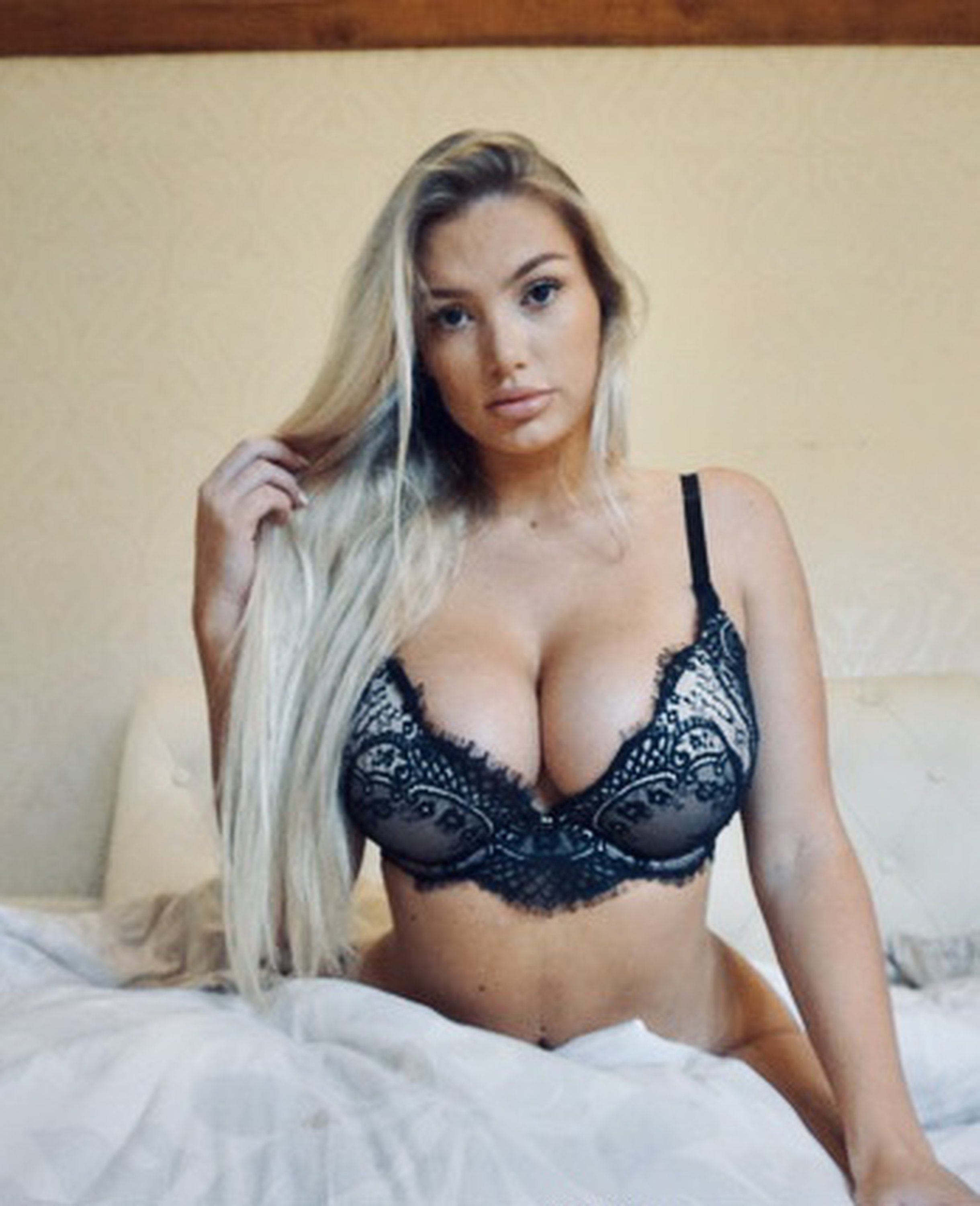 Lucy Nicholson Leaked 0146