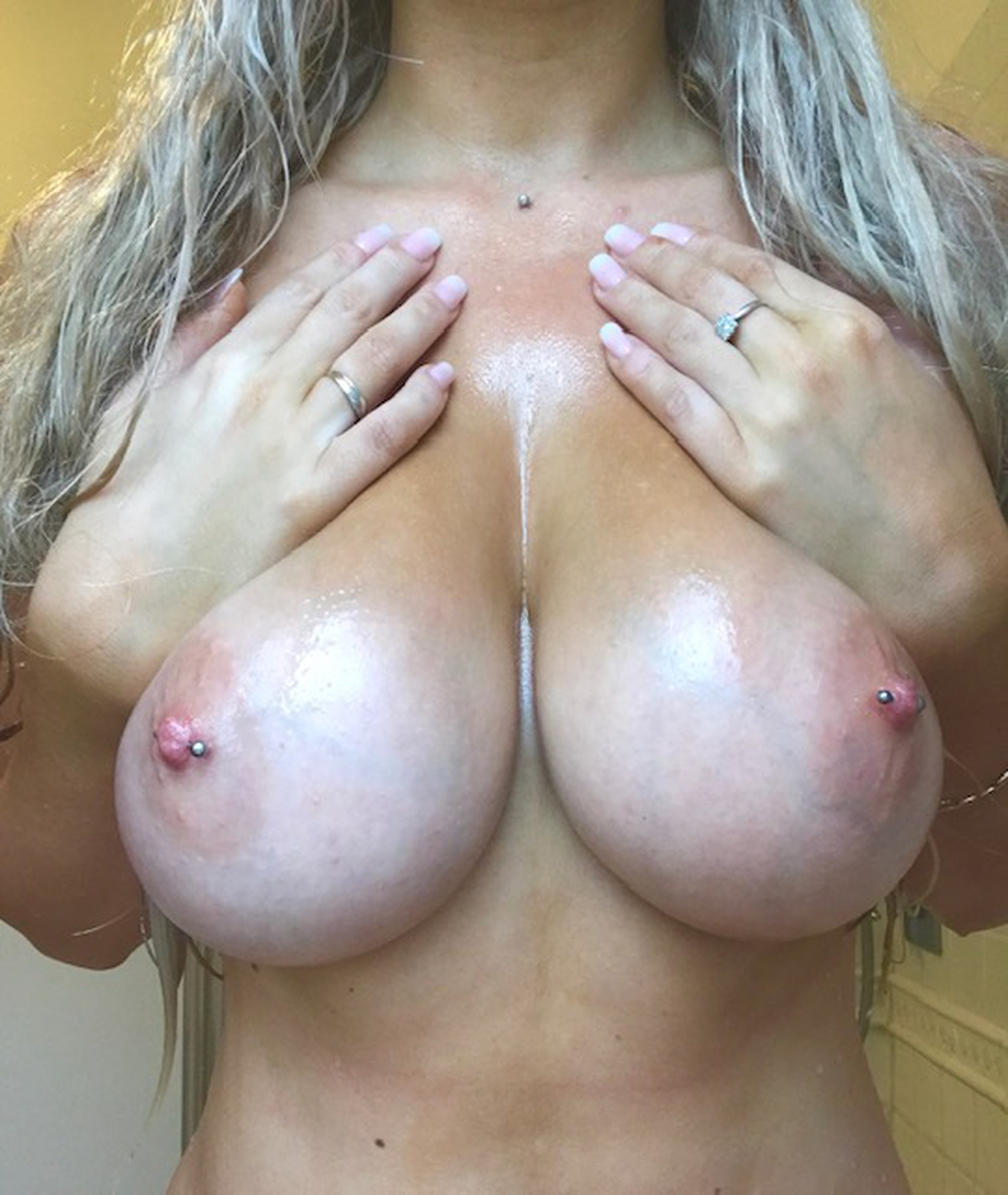 Lucy Nicholson Leaked 0159