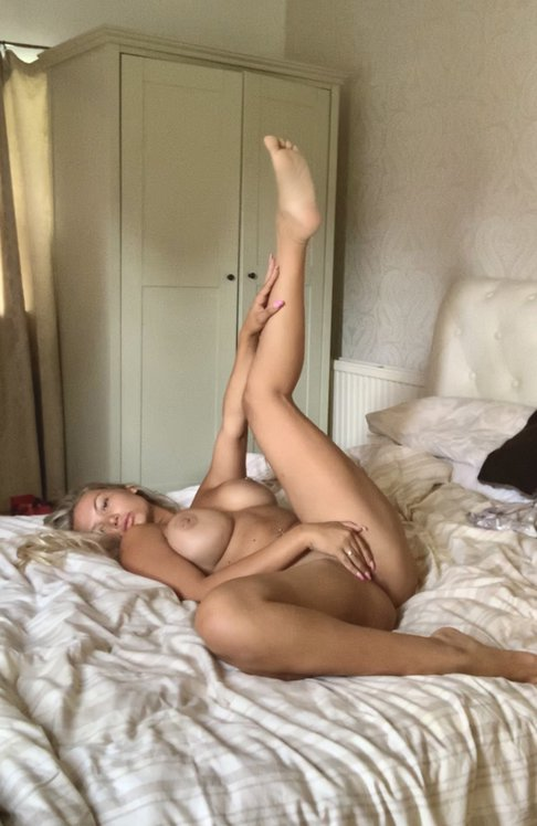 Lucy Nicholson Leaked 0174