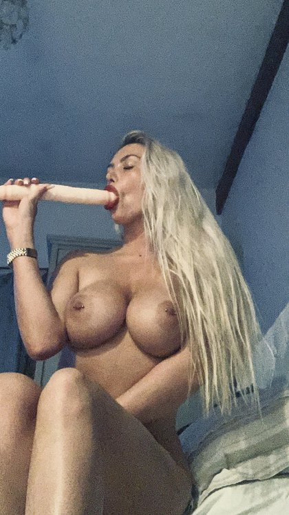 Lucy Nicholson Leaked 0192