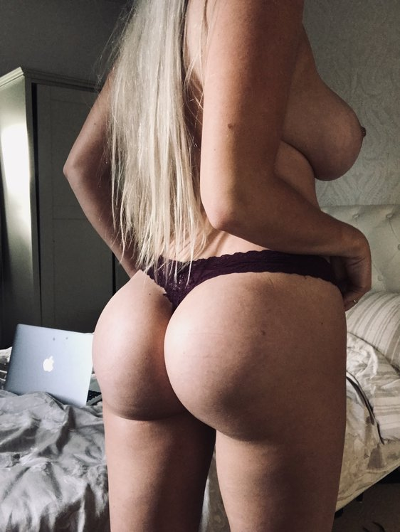 Lucy Nicholson Leaked 0222