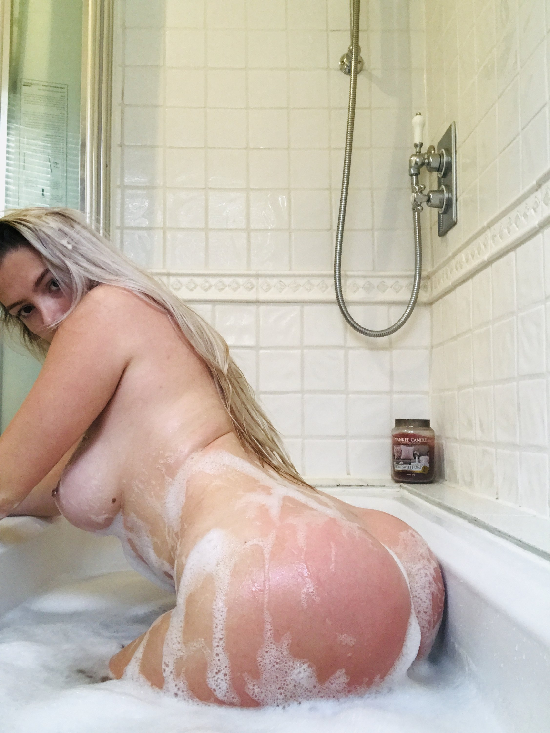 Lucy Nicholson Leaked 0273