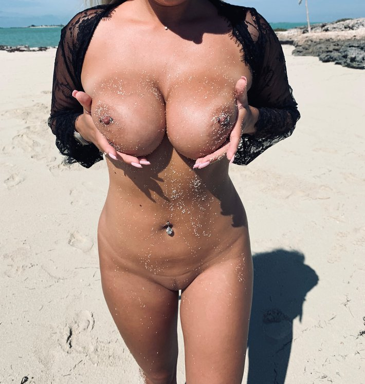 Lucy Nicholson Leaked 0280