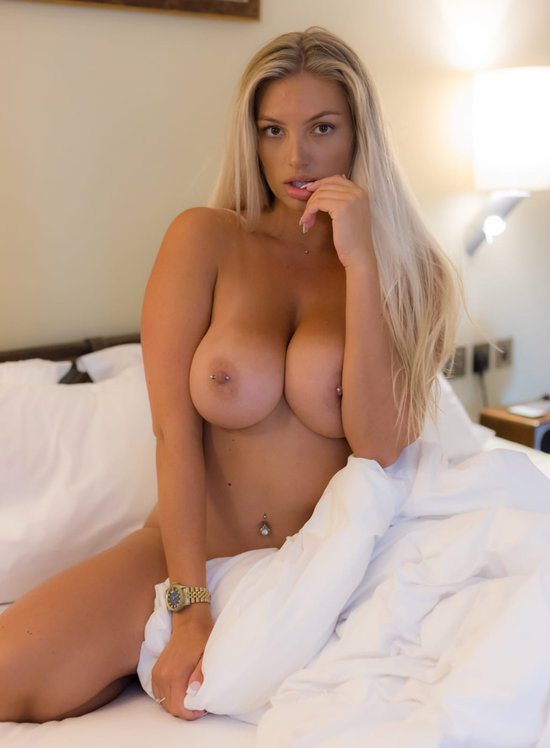Lucy Nicholson Leaked 0283