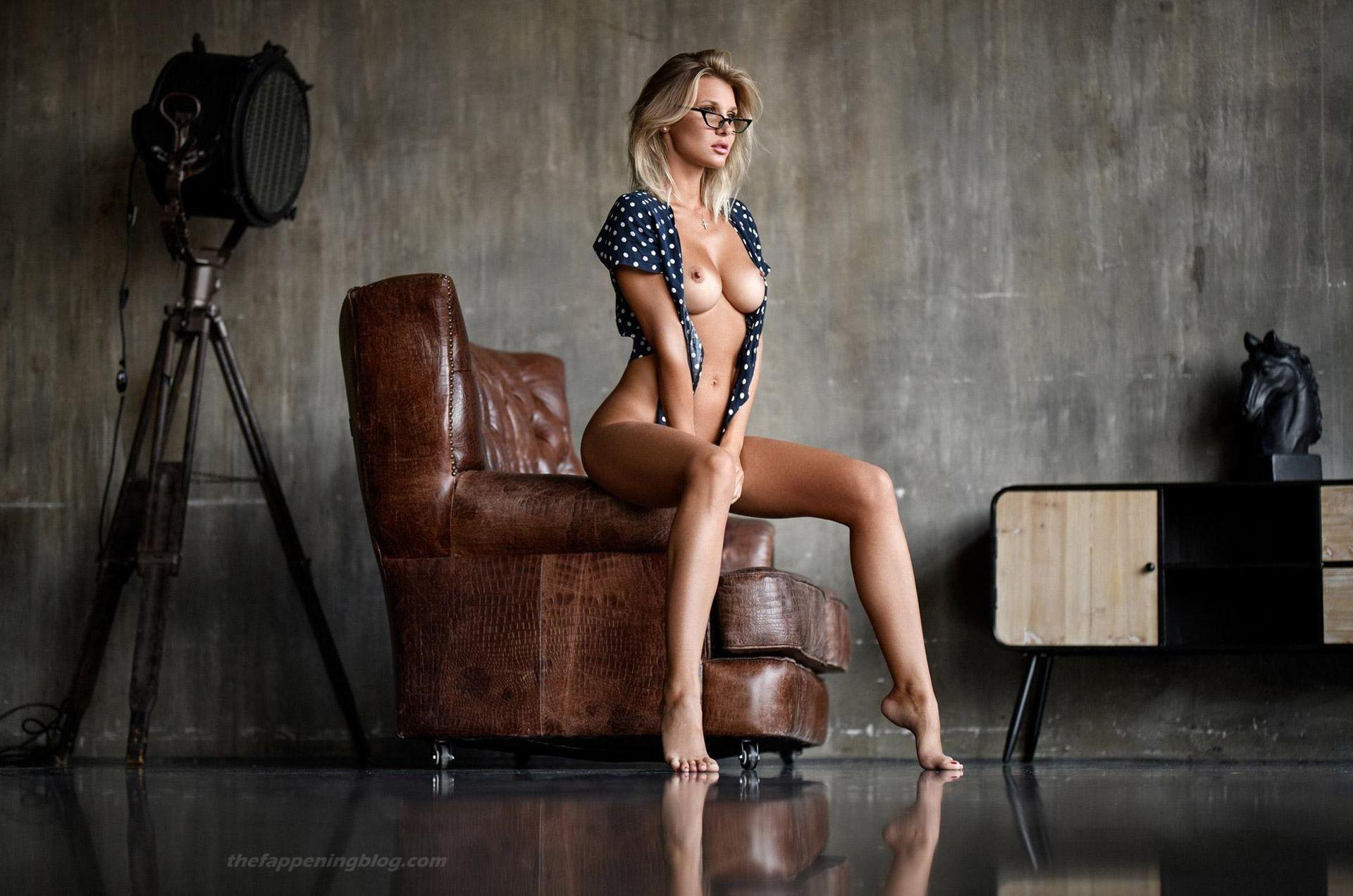Marina Polnova Nude 0001