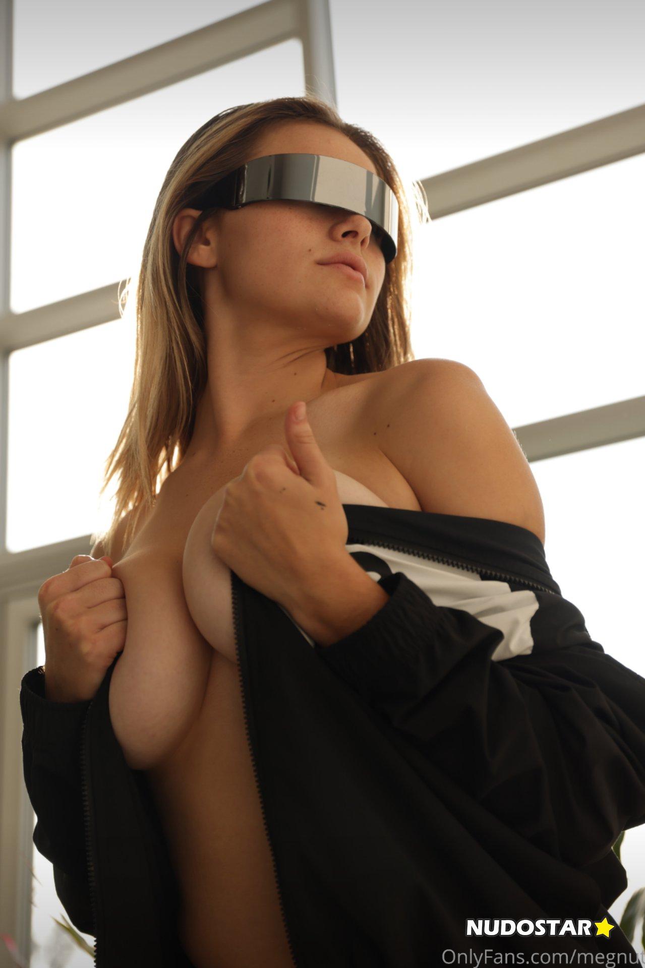 Megan Guthrie – Megnutt02 Nude Leaks 0017