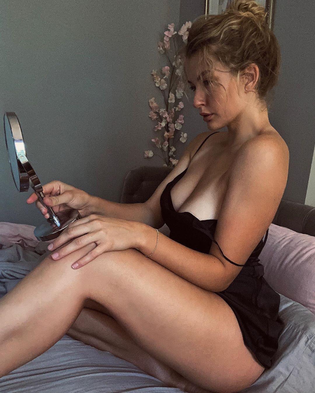Mia Melano Leaks 0001