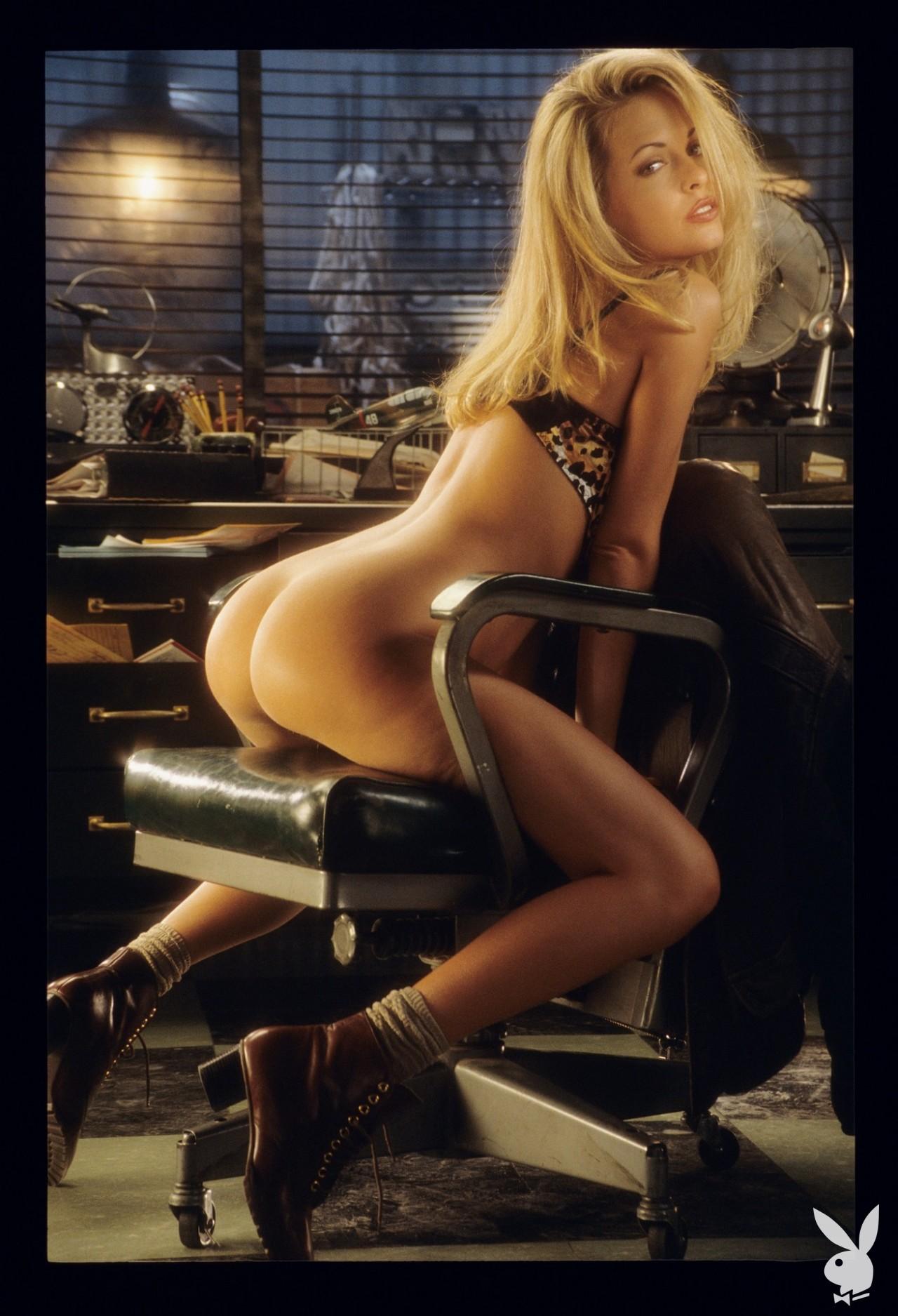 Playmate June 1995 Rhonda Adams Playboy Plus (8)